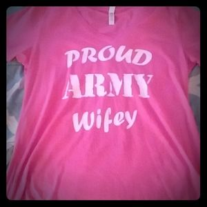 Proud Army wife v-neck